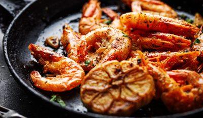 roasted-shrimps-on-pan-GF75W85-min.jpg